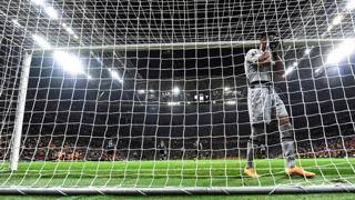 Galatasaray-Lazio, la clamorosa papera di Strakosha: l'autogol regala la vittoria ai turchi