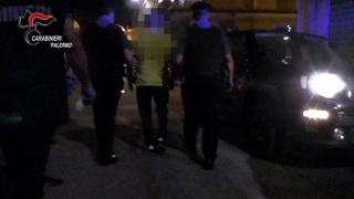 Mafia, picchiato perché aveva messo in discussione l'autorità del boss: tre arresti