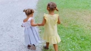 Bobo Vieri e Costanza Caracciolo: che dolcezza le figlie Isabel e Stella