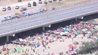 Usa, crisi al confine con il Messico: 10mila migranti sotto un ponte