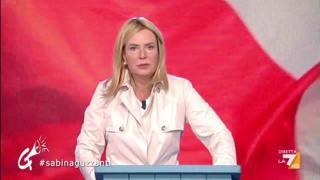 Sabina Guzzanti è Giorgia Meloni, l'esilarante imitazione: «Gli italiani sono persone come noi»