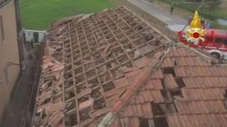 Maltempo, tromba d'aria nel Lodigiano, danni ai tetti