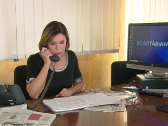 Mauro Corona torna a Cartabianca? La promo di Berlinguer sembra confermare: «La aspetto, ben vestito»