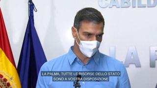 Eruzione vulcano, Sanchez a La Palma: «Le risorse della Spagna a vostra disposizione»