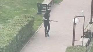 Russia, sparatoria all'università di Perm: il video dell'uomo armato