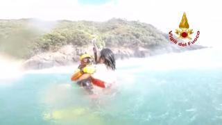 Camogli, ragazzo in balia delle onde salvato dall'elisoccorso