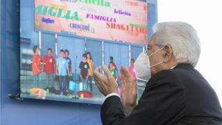 Mattarella all'inaugurazione dell'anno scolastico: «Con i vaccini la scuola non dovrà più chiudere»