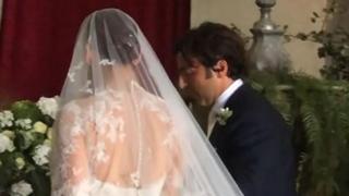 Miriam Leone, l'emozionante ingresso in chiesa nel giorno del suo matrimonio