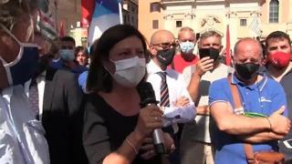 Alitalia, De Micheli: «Il governo è azionista, chiederemo di salvate un'azienda strategica per Paese»