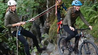 Kate Middleton: escursione in mountain bike tra i boschi