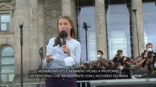 Greta Thunberg alla manifestazione di Berlino: «Nessun partito fa abbastanza»
