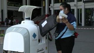 A Singapore la spesa a domicilio la porta un robot