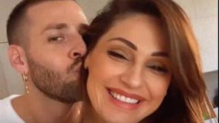 Anna Tatangelo e Livio Cori: abbracci, baci e...qualche rimprovero