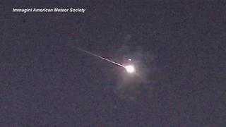 «Palla di fuoco» attraversa il cielo della Carolina del Nord e si disintegra