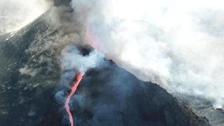 Canarie, l'eruzione del vulcano Cumbre Vieja  di La Palma continua: le immagini aeree