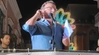 Minervino Murge, l'ex sindaco nomina Nichi Vendola e fa un gesto omofobo