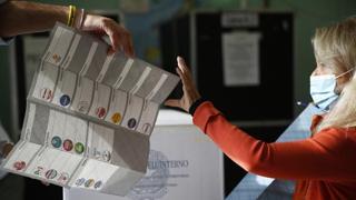 Elezioni 2021, i risultati in diretta con i giornalisti e gli opinionisti del Corriere