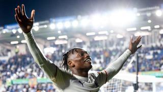 Capolavoro Leao e il Milan sbanca Bergamo, Napoli senza intoppi: i gol della Serie A