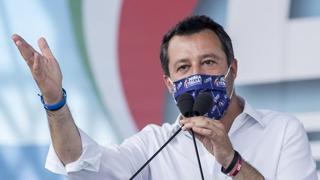 La conferenza stampa di Salvini