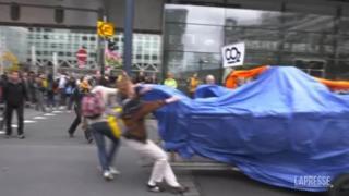 L'Aja, ambientalisti in piazza per chiedere un Olanda a impatto zero