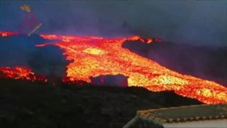 Canarie: terremoto di magnitudo 4,5 provoca nuovo fiume di lava, altri 300 evacuati