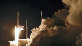 Lanciata Lucy, la sonda della Nasa diretta agli asteroidi di Giove