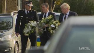 Gb, morte deputato David Amess: Boris Johnson porta i fiori sul luogo del delitto