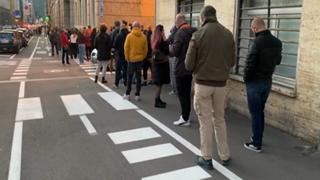 Bolzano, assalto alle farmacie per i tamponi