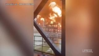 Kuwait: maxi-incendio in raffineria di petrolio