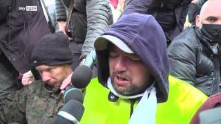 Porto di Trieste, il leader dei portuali Puzzer: «Sono triste, stiamo qui e preghiamo»