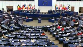 Polonia, Morawiecki: «Le competenze dell'Ue hanno dei limiti, no al centralismo europeo»