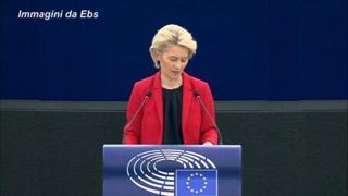 Polonia, von der Leyen: «Sentenza mette in discussione la base dell'Ue»