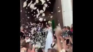 Vera Arrivabene, l'uscita dalla chiesa dopo le nozze
