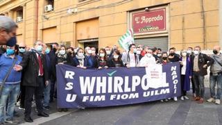 Whirlpool, presidio in regione: operai chiedono impegni concreti a De Luca