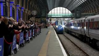 Il lancio del nuovo treno 100% elettrico tra Londra ed Edimburgo