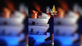 Caserta, incendio in un appartamento: salvata una donna