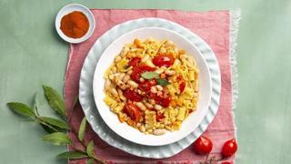 Pasta mista con fagioli, paprika e pomodorino vesuviano
