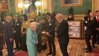 Regina Elisabetta ricoverata, gli onori di casa a Windsor il giorno prima