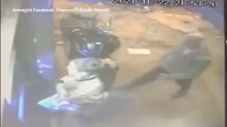 Napoli, strattonata e rapinata poi viene trascinata dal ladro con l'auto