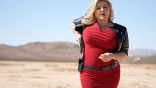 Michele Fiore, il surreale spot della candidata trumpiana che punta al Nevada con la pistola in mano