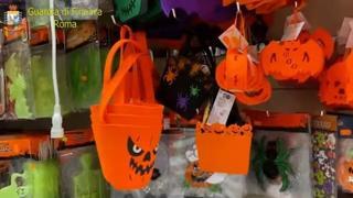 Halloween, sequestrati a Roma 1,5 milioni di giocattoli pericolosi