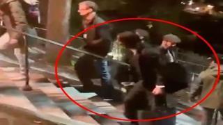 Keanu Reeves aiuta a caricare l'attrezzatura dopo una dura giornata di riprese di «John Wick 4»