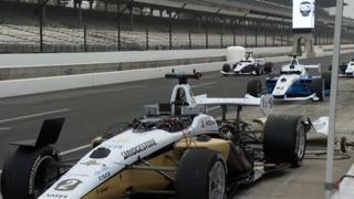 La sfida tra auto senza pilota sul circuito di Indianapolis: il video