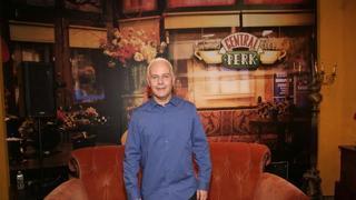 Morto l'attore che interpretava Gunther in «Friends», eccolo nel set della serie tv ricreato per i fan