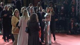 Angelina Jolie chiude il Festival del Cinema di Roma: «In 'Eternals' famiglia di supereroi superdiversa»