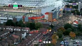 Il Manchester United travolto dal Liverpool: i tifosi se ne vanno al 65esimo