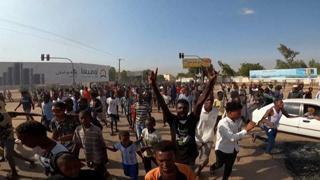Sudan, centinaia di persone in piazza per protestare contro il golpe