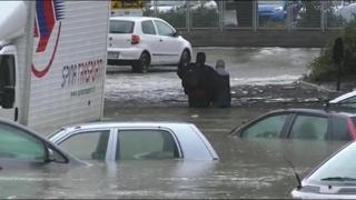 Maltempo Catania, anziano bloccato in auto portato in salvo