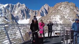 Tennis, sul Monte Bianco il palleggio più in alto di sempre