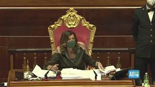 Casellati contro Santangelo (M5S): «Lei è un grande maleducato, io l'ammonisco